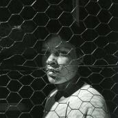 Fotokonstnär, Fotograf: Ava Valsten, Ung kvinna på balkong