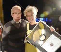 Invald i Rockabillyhall of fame, USA 2012 . Publikrekord och prisutdelning i Vretstorps Folketspark med Hans-Eric Hägg