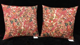 Red romantic pillows