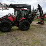 En stilstudie av Tobias professionella traktorgrävare