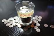 Bild på burk med insamlade pengar