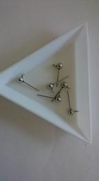 304 rostfritt stål stiftörhänge. 12 mm, 5 par - 304 rostfritt stål öronplupp med ögla, 12 mm, pin 0,8 mm Hål: 2mm, Pin: 0.4mm. 5 par