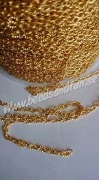 Guldpläterad, 3x2x0.5mm - Järn Twist Kedjor, guldpläterad, nickelsäker, 3x2x0.5mm. Säljes i meter vara
