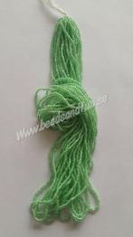 Crystal Mint-lined - Crystal Mint-lined HSB/38156/  11/0 = 2,1mm. Ca 400 pärlor / sträng.