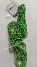 Light Green Opaque - Light Green Opaque HSB/53230/  11/0 = 2,1mm. Ca 400 pärlor / sträng.