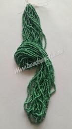 Green Opaque Luster - Green Opaque Luster HSB/58250/  11/0 = 2,1mm. Ca 400 pärlor / sträng.