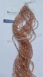 Crystal Copper-Lined - Crystal Copper-Lined. HSB/68105/ 11/0 = 2,1mm. Ca 400 pärlor / sträng.
