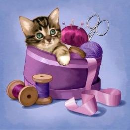 Katt i sylåda, rund, 20x20cm - Katt i sylåda, rund, 20x20cm