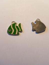 Grön fisk med rhinestone i ögat - Grön fisk