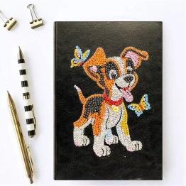 Notebook, 64 sidor, hund med fjäril - Notebook 64 sidor hund med fjäril