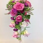 Brudbukett asymetrisk rosa -
