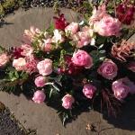 Liggande dekoration, rosa röd
