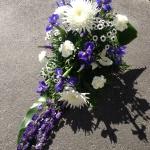 Liggande dekoration, blå vit