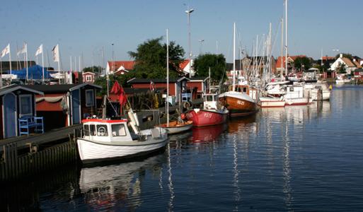 VERAS Deli & Café ligger nära hamnen i Råå