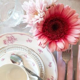 Vintage porslin, kopp och fat, assiette, huvudrättstallrik
