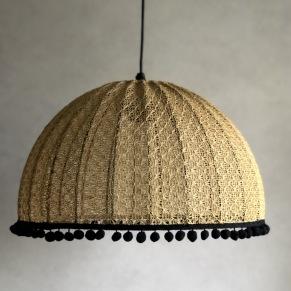 Stickade lampor. - Gul Gustavianum