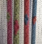 Flower mönster, finns i dessa färger rosa,grön, röd och turkosblå.