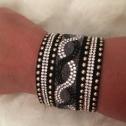 Armband xtra bred svart enkelt
