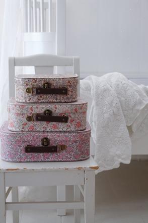 Småblommiga väskor set om 3
