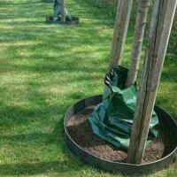 Runda kantplåtar är på ett smidigt och vckert sätt det bästa alternativet för att din robotklippare inte skall skada dina växter och träd. De går emot kanten och vänder riktning. De går även att få öppningsbara...