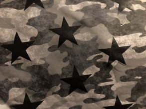 Camo grey and stars - Camo öglad jogging