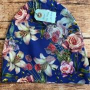 mössa blå med blommor