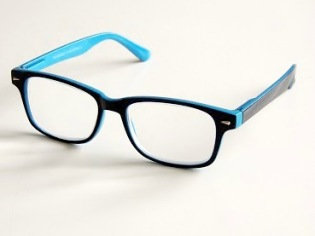 Läsglas svarta med blå kant och läsruta