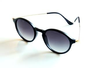 Solglasögon Saltis svarta