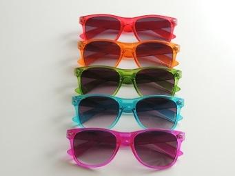 Solglas färgglad