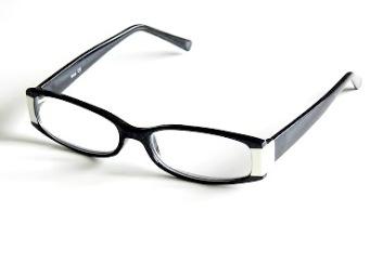 Läsglas vit/svart nr 616