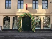 Ballongbåge för att fira jubileum hos Tehuset Java i Lund