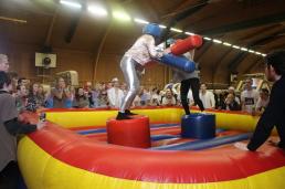 hyra Gladiator och uppblåsbara sportaktiviteter