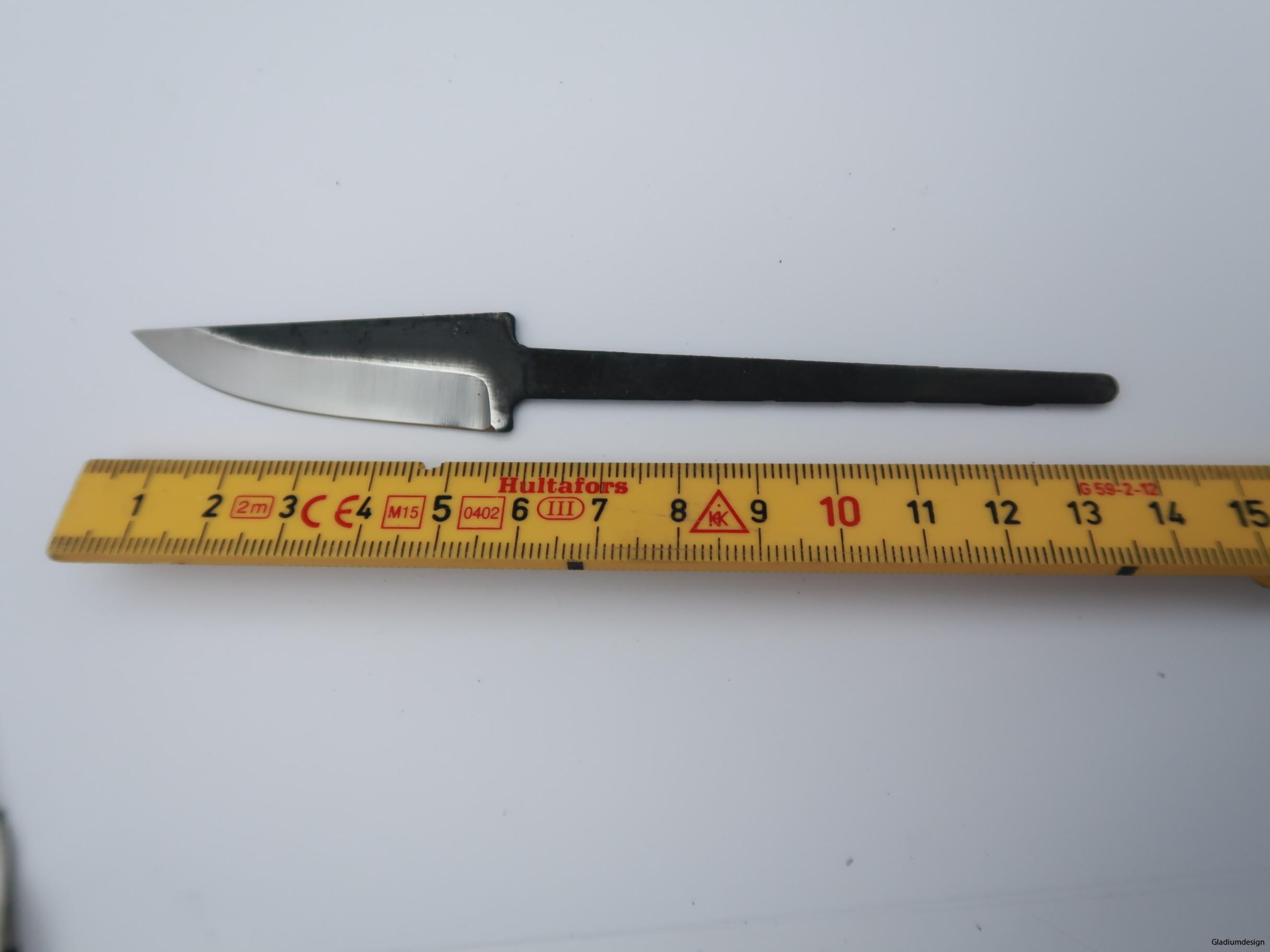 knivmaterial