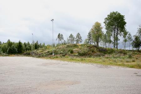 5 augusti 2016 - Berget kommer att sprängas bort för att ge plats för nya parkeringen.