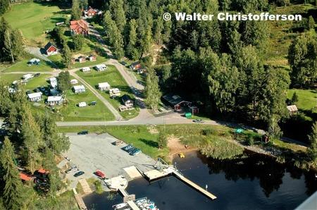 Sandvikens camping och Båtklubben Rävarnas småbåtshamn och Gästhamn.