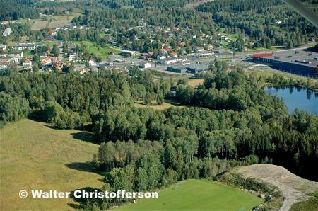 Östra delen av centrala Töcksfors - vy från söder.