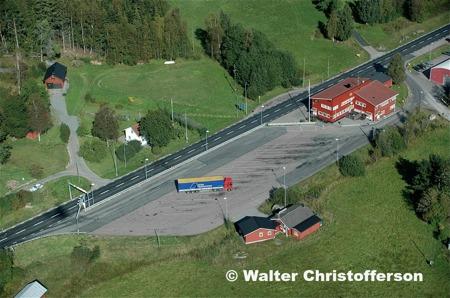 Tullstationen i Hån vid vägen som då var E18.