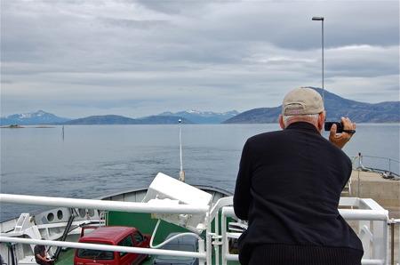 Färja över Tysfjorden
