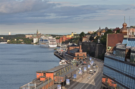 Avresa från Stockholm med färja till Finland.