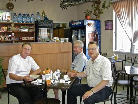 Frukost på hotellet i Priozersk.