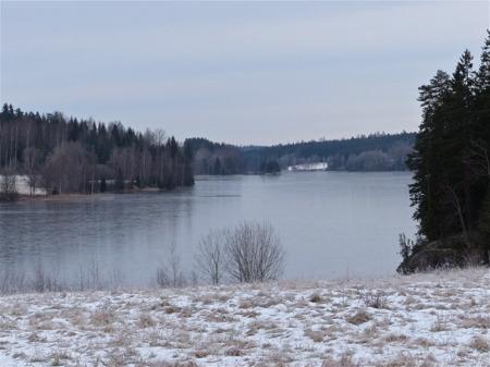 Isen lägger sig på Töck.