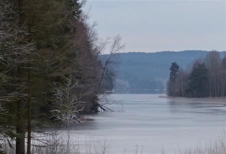 Isen lägger sig även på Torsviken.
