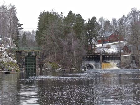 Sjöar och vattendrag ovanför Töcksfors fortsätter leverera vatten till sjösystemet nedströms.
