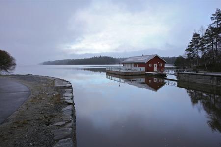 Sluseporten Båtcafé ligger i vintervila vid Rödenessjön.