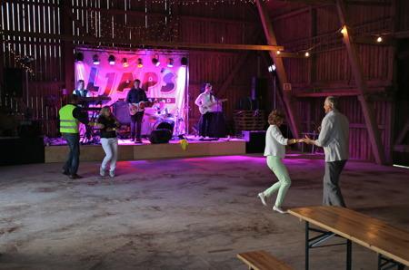 """Dans på """"Varke"""" - bilder från tidig kväll. Det kom 350 personer till dansen."""