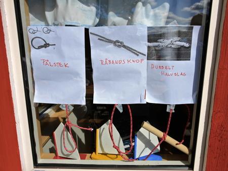 30 juni 2015 - Knyta knopar ska man också kunna.