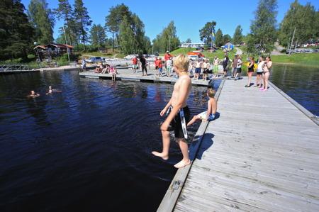 1 juli 2015 - På eftermiddagen var det också övning i livräddning, viktigt att kunna när man är på sjön.