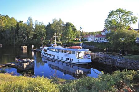 M/S Storholmen förbereds för avgång till Östervallskog.