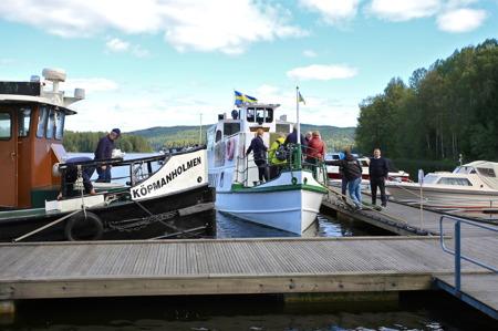 I gästhamnen låg M/S Storholmen och väntade, för att ta alla tillbaka till Töcksfors.