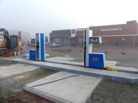 DinX öppnar snart en ny bensinstation vid McDonald´s. Det blir en obemannad automatstation.